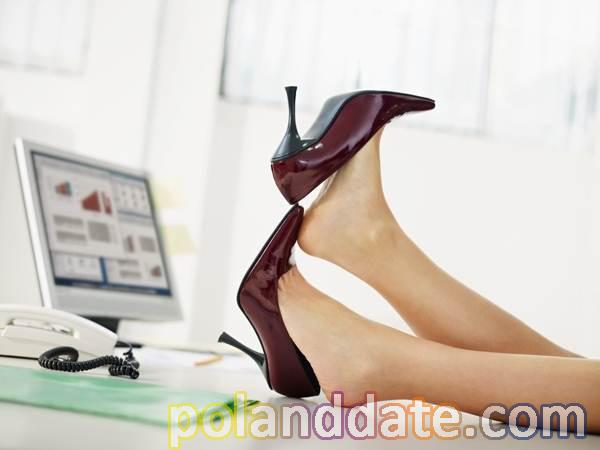 binlerce çeşit ayakkabı modeli, alışveriş sitesinde ayakkabı alırken, ayakkabı