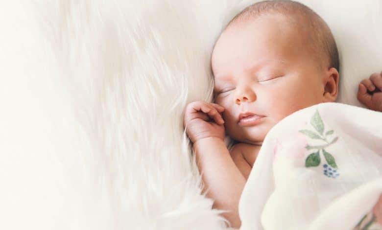 bebeklerde kusma, bebek kusma nedenleri, bebekler neden kusar